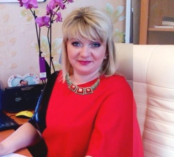 Вже майже два роки Тетяна Бондарівська очолює галузь освіти у Борівському районі Харківської області і практично ніколи не згадує про свій статус внутрішньо переміщеної особи ВПО. Своїми секретами звичайного людського щастя вона поділилася з ГУРТом.